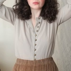 Jones New York 90s Pale Gray and Gold Blouse 6